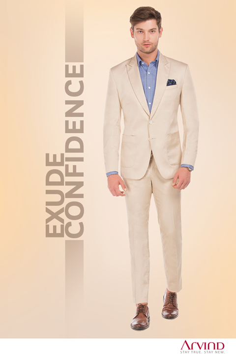 When in doubt, simply pair the beige suit with a blue shirt and you will never go wrong.