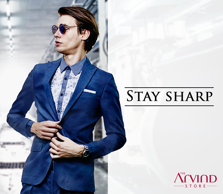Be it casual outings or Valentine's date, this suit from our #ReadyToWear collection will always create a lasting impression.