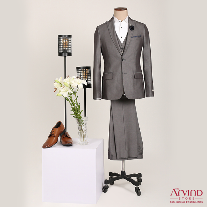 Look the part effortlessly at any occasion with our #ReadyToWear ceremonial range.  Sign up to get up to 50% off. Sign up now for a gift voucher worth Rs 500: https://bit.ly/2u4oFZs  T&C apply.