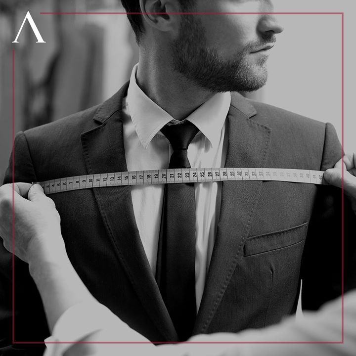 Handwork as seamless as our seams. Have you experienced our métier craftsmanship yet? . . . #menstrend #flatlayoftheday #menswearclothing #gentlemenfashion #welldressedmen #guystyle #luxurylifestyles #ootdman #malestyle #mensclothes #everydaymadewell #fashioninstagram #menswithstyle #mensfashiontips #smartcasual #flatlayforever #dressforsuccess #menswearstyle #itsaboutdetail #whowhatwearing #bespoketailoring #classicmenswear #thearvindstore #staytruestaynew #readytowear #madeinarvind