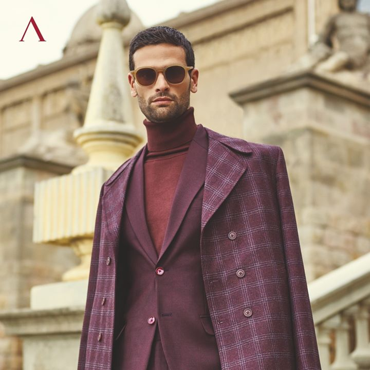 This season is all about the checkered and striped dressing. From long coats to double-breasted suits, Primante brings in the Italian panache with a contemporary appeal. Visit your nearest Arvind Store and check out the collection. . . #menstrend #flatlayoftheday #menswearclothing #guystyle #gentlemenfashion #premiumclothing #mensclothes #everydaymadewell #smartcasual #fashioninstagram #dressforsuccess #itsaboutdetail #whowhatwearing #bespoketailoring #readytowear #madeinarvind #thearvindstore #classicmenswear #mensfashion #malestyle #authentic #arvind #menswear #linen #suitings #suitingcollection #Italiancollection
